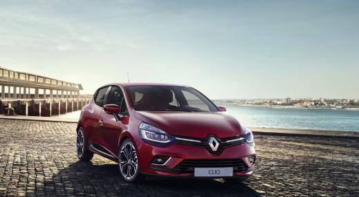 Renault clio aan de zee