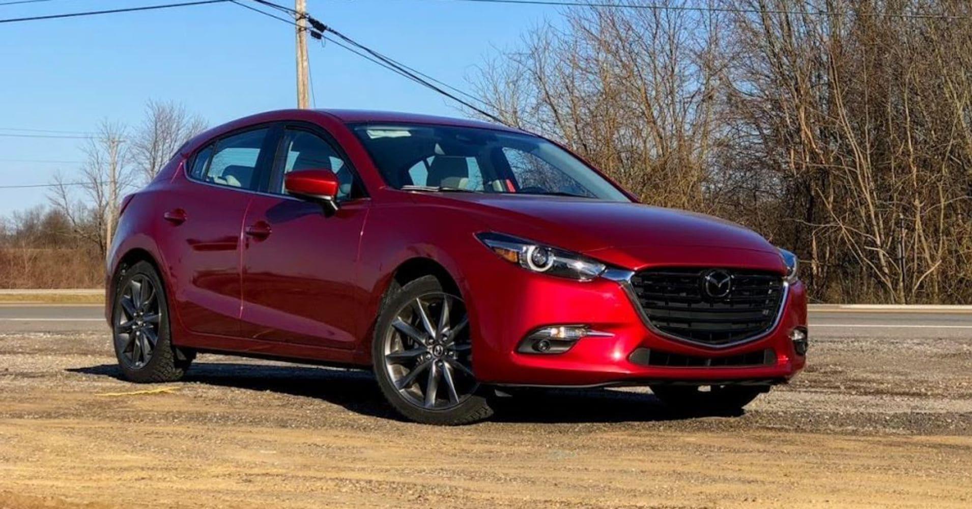 Mazda 3 schuin voor