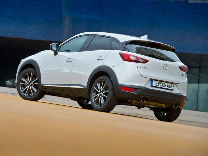 mazda-cx-3-exterior-white-back