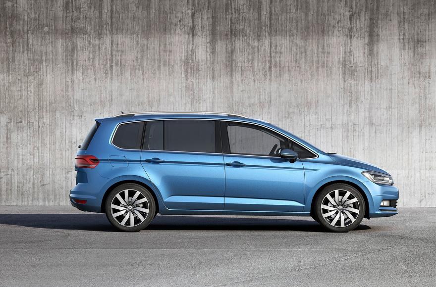 Volkswagen touran blauw zijkant