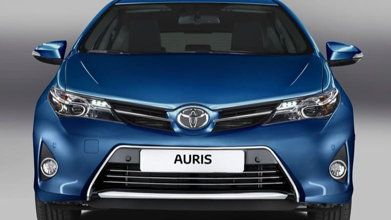 Toyota Auris voor