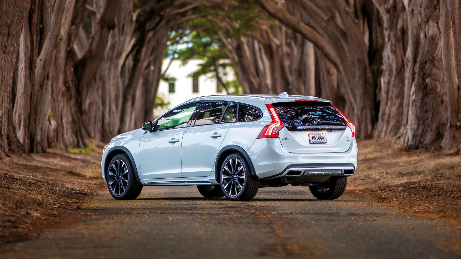 Volvo V60 Wit achter schuin
