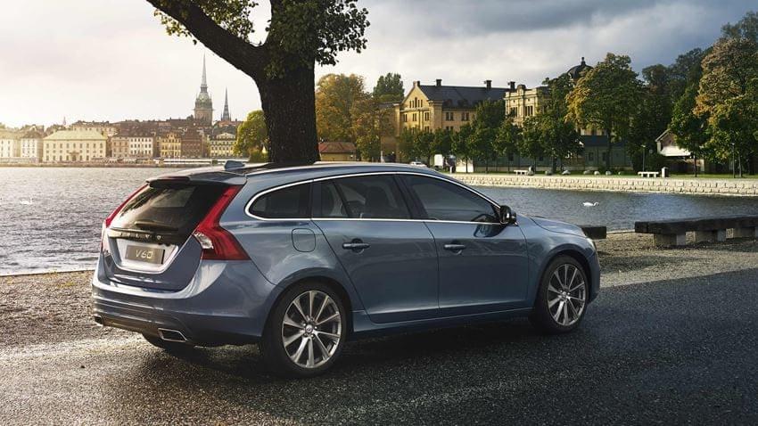 Volvo V60 licht blauw