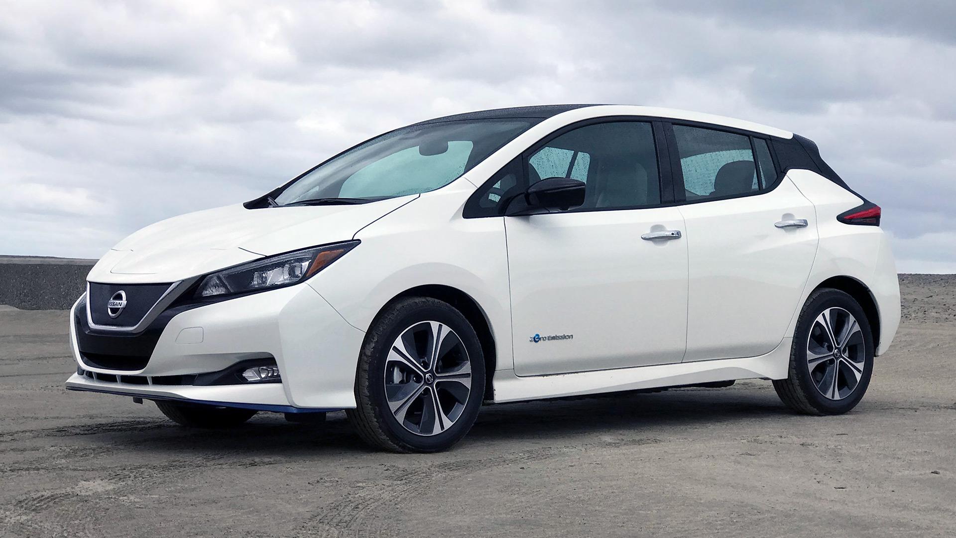 Nissan Leaf Wit zijkant