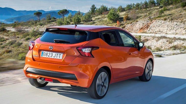 Nissan Micra Oranje achter
