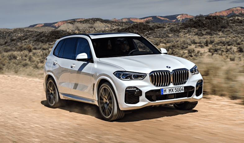 BMW X5 in de desert